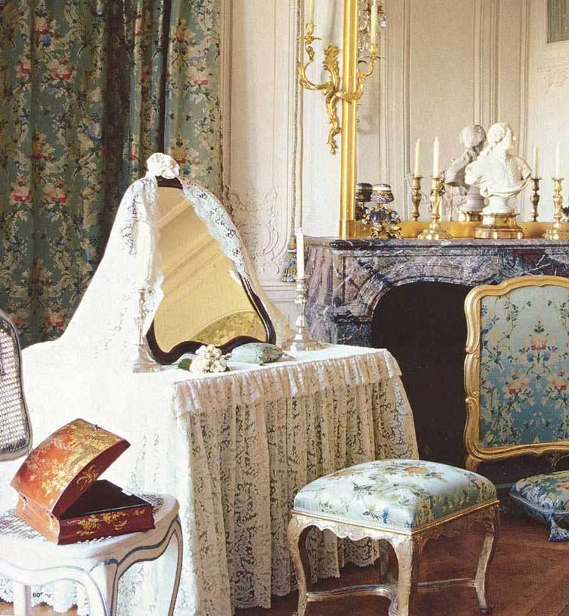 Kosmetinis stalas Madame de Pompadour